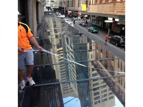 glass-roof-pitt-st3DB40837-9E0B-0A86-441E-25E5ACCC38BD.jpg