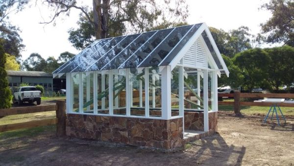 glass-conservatroy-with-roof-2B3B819C6-6E85-4914-2341-BC09E7BFE706.jpg