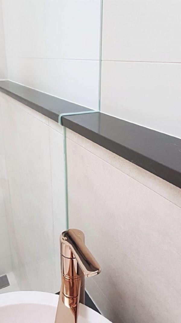 frameless-shower-screen-shape0D71D3E0-683B-B290-E468-A2A9ED8A6A19.jpg